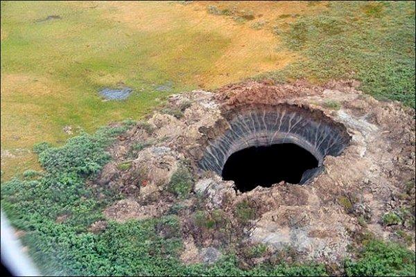 Misterul apariției unor cratere imense în diferite locuri de pe Terra