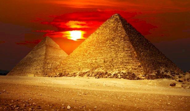 Un mormânt şi mumia sa veche de 5.600 de ani, de dinainte de primii faraoni