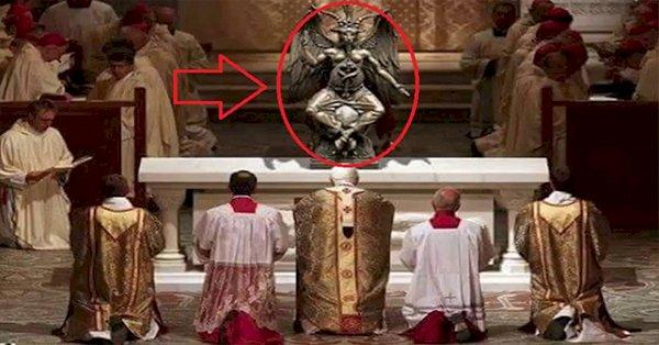 Vaticanul a dezvăluit - ritualuri bizare iluminate din interior