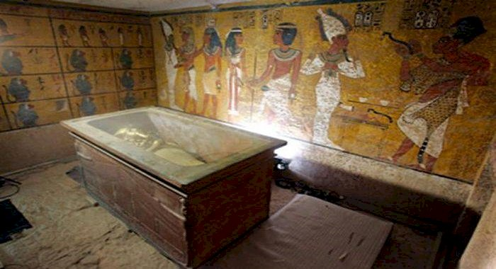 Două cufere bizare descoperite în Egipt dezvăluie indicii privind mormântul faraonului Tutmes al II-lea