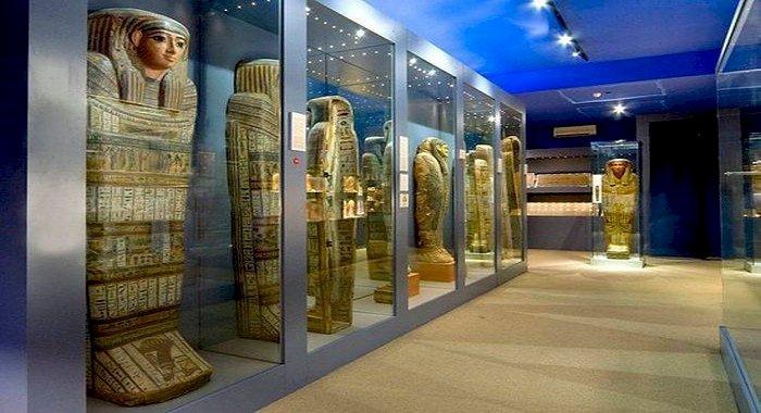 Mumia egipteană învelită într-un manuscris antic misterios